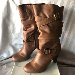Half calf heeled boot